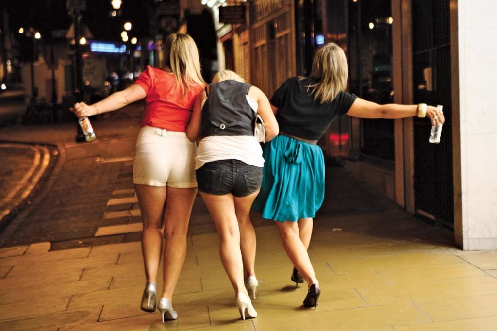 girls drunk